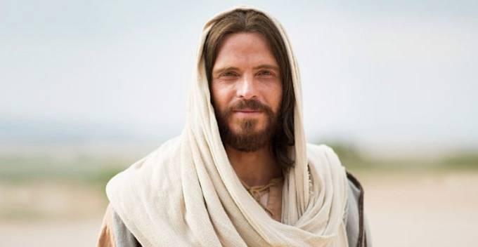 Zapomeňte proto na Ježíše, kterého nám nutí církev a filmy.