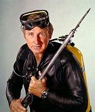 Vseriálu Sea Hunt hrál potápěče avysloužilého vojáka, který nadně moří pátrá ponejrůznějších pokladech.