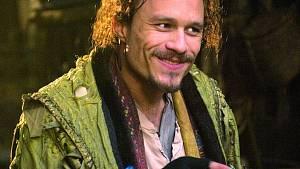Ještě v sobotu Leger natáčel v Londýně Imagináruium, v úterý 22. ledna jej v New Yorku prohásili za mrtvého.