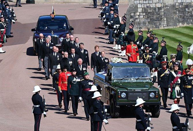 Přání prince Philipa, mít skromný pohřeb, mu královna splnila.