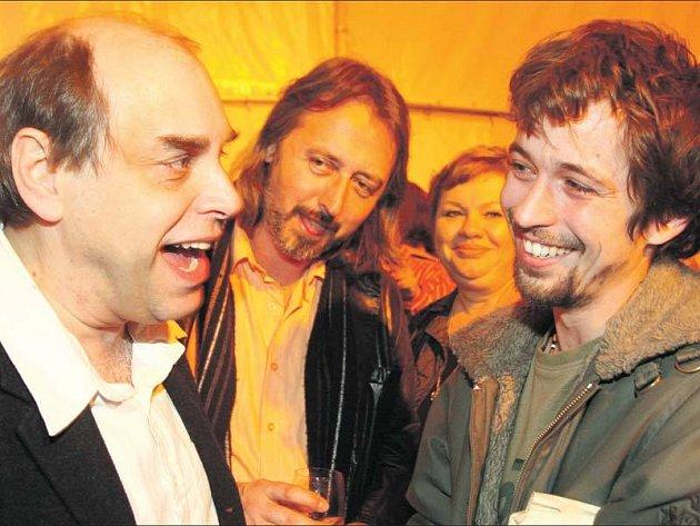 Miroslav Táborský a Jan Dolanský se ve filmu nenávidí, ale na party si skvěle rozuměli.