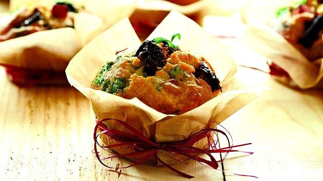 Muffiny se slaninou a olivami