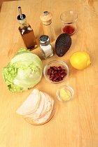 Vše potřebné na salát podle Seleny.