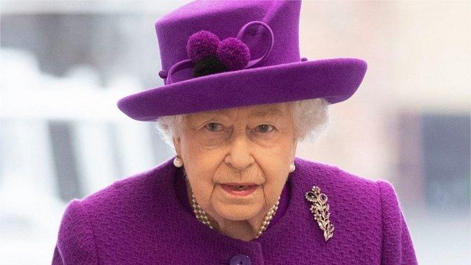 Královna Alžběta má obavy, jaké skutečnosti vyjdou na povrch.