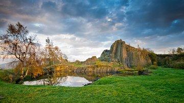 Panská skála v Kamenickém Šenově je jedním z turistických taháků.