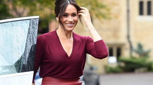 """""""Harry celý zuřil, nedokázal se ovládnout, vynadal Meghan, že si jeho babičky dostatečně neváží – a nebylo to poprvé, co se něco takového stalo! Vysvětloval jí, že jako členka královské rodiny má důležité povinnosti, které je nutné plnit,"""" říká zdroj."""