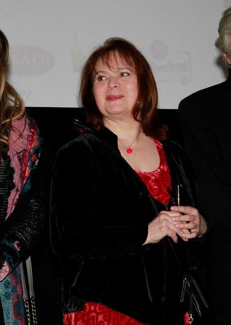Nejkrásnější česká princezna Libuška Šafránková (57) se už nejspíš definitivně dostala ze své dlouhé azáhadné nemoci, kvůli které ani nevycházela zdomu.