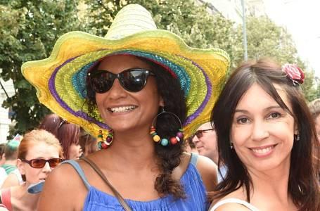 Lejla Abbasová a Nela Boudová na jedné z akcí Prague Pride