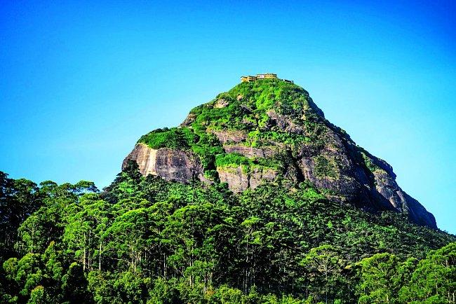Adamova hora úspěšně střeží svá tajemství už tisíce let.