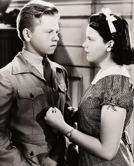 Judy aMickey Rooney. Dvě dětské hvězdy se sešly vefilmu Vítězný běh (1937).