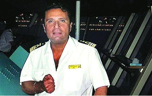 Kapitán Francesco Schettino. Údajný hlavní viník nehody.