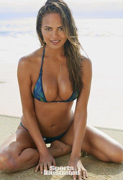 Nádherná Chrissy Teigenová pro Sports Illustrated.