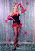 Počátkem 50. let patřila mezi největší filmové sexsymboly. Pak ji vystřídala Marilyn Monroe.