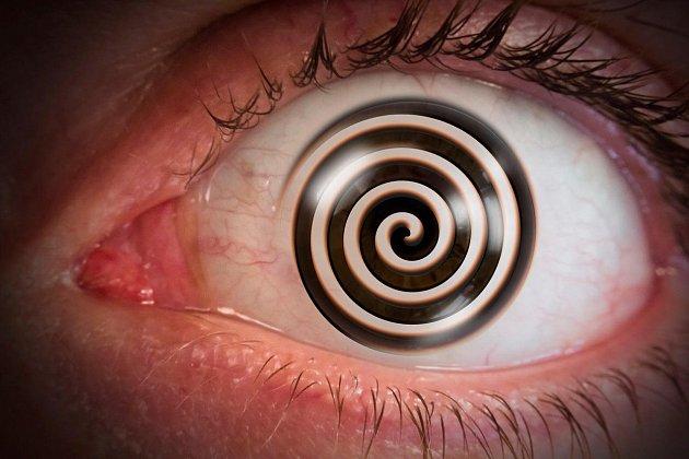 Mozek dokazuje vliv hypnózy.