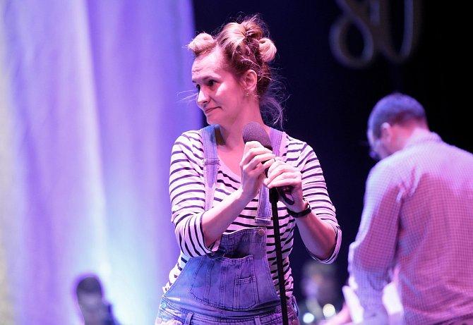 Kvůli probíhající pandemii koronaviru začala zpěvačka vystupovat prostřednictvím online koncertů.