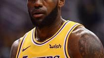 LeGendární LeBron James vyhodil do koše 89 miliónů dolarů (2 mld. kč)