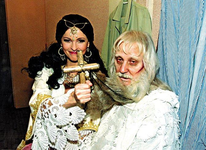 Producenti se předháněli, kdo nabídne Bartošové roli.