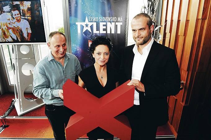 Před deseti lety zasedla do poroty X Factoru.
