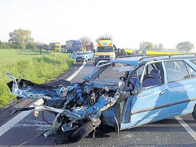Hromadná nehoda u Chrudimi.