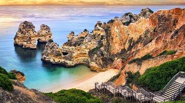 Algarve má neskutečný půvab.