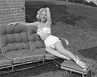 Marilyn jako sexuální symbol neměla problém s odvážnými fotkami. Třeba v plavkách.