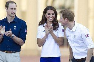 Když Harry nepotkal Meghan: Jak princ Harry kření královskému páru