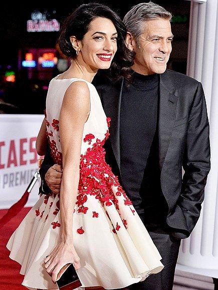 George a Amal Clooney spolu chodili šest měsíců, než se rozhodli zasnoubit.