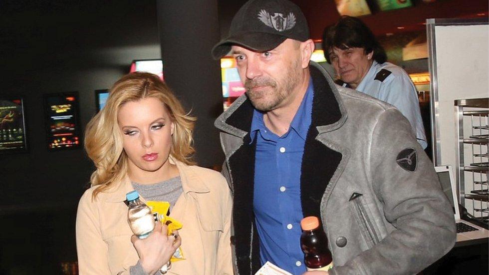 Tomáš Řepka momentálně randí s Kateřinou Kristelovou.