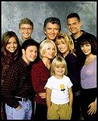 Od šesté série se v seriálu začal pravidelně objevovat i Jason Marsden, který hrál Riche.