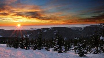Výhled z výšky několika desítek metrů na zasněženou krajinu se vám nesmazatelně vryje do paměti.
