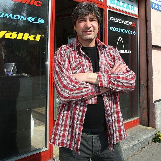 Jiřímu Babicovi zemřel tatínek, zatímco byl v Afghánistánu.