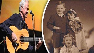 Ke svému jubileu muzikant ukázal jeho fotky z mládí.
