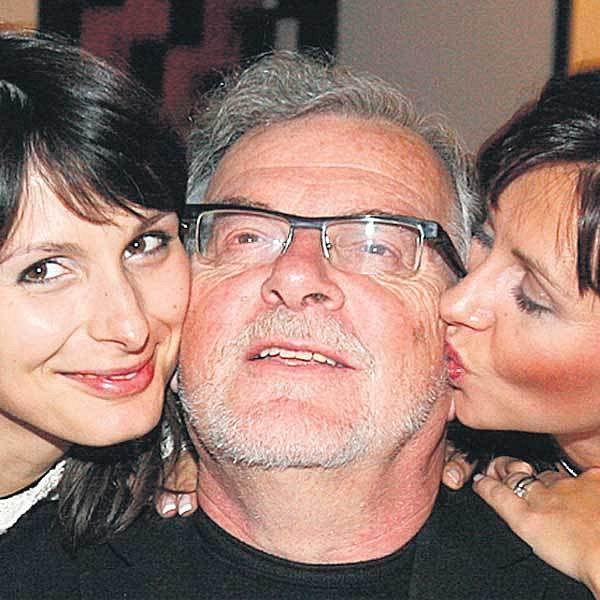Jan Kačer s filmovými dcerami Zdenkou Volencovou-Žádníkovou a Danou Morávkovou.
