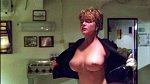 Film Přepadení vPacifiku (1992) proslavily chvaty Stevena Seagala aňadra Eriky Eleniak.