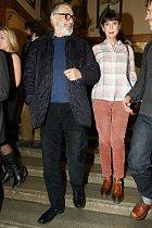 Jiří Bartoška a manželka Andrea na premiéře filmu Polednice