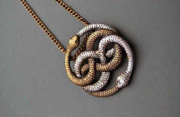 Amulet Auryn má hluboké poselství.