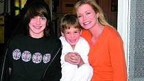 Zrozpadlého manželství má syny Luka aNicolase.