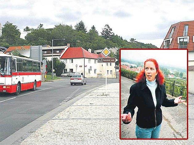 Do zoo, botanické a Trojského zámku by měly jezdit jenom autobusy. Co ale ostatní Pražané, kteří tudy musí denně projíždět? Ve výřezu: Starostka Monika Maurerová.