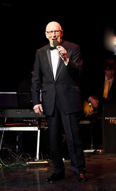 Ještě letos vdubnu oslavil své osmdesátiny na pódiu.