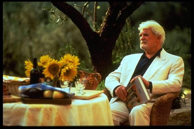 Svůdná krása (1996). Poslední filmová role.