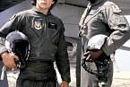 Vefilmu Železný orel (1986) byl jeho mentorem Louis Gossett Jr.