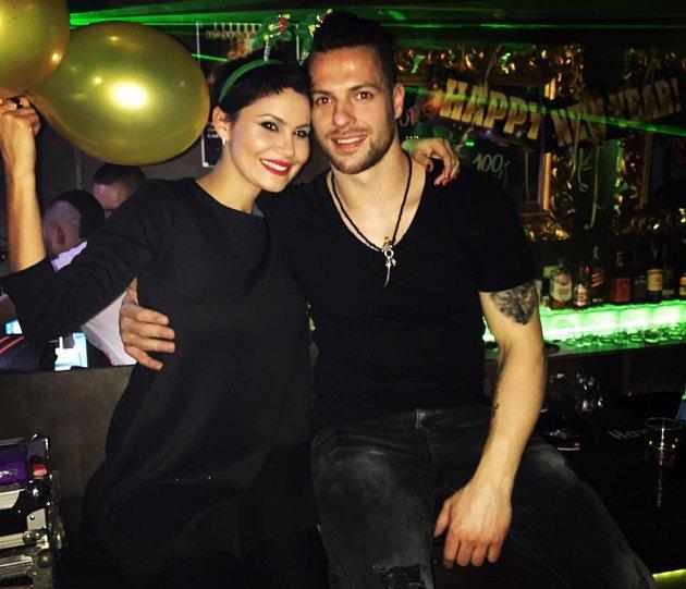 Do Michala je beznadějně zamilovaná.