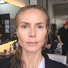 Heidi Klum před líčením. Není to dvakrát pěkný pohled.