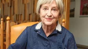 Nina Divíšková ve Vyprávěj zemře.