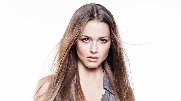 Aneta Vrzalová je pořádně sexy.