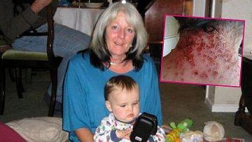 Lyn se svým vnukem a barvou, na kterou byla zvyklá.