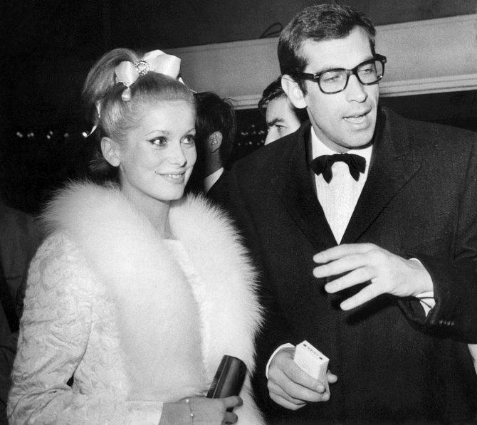 Naivní Catherine a zkušený proutník Roger Vadim