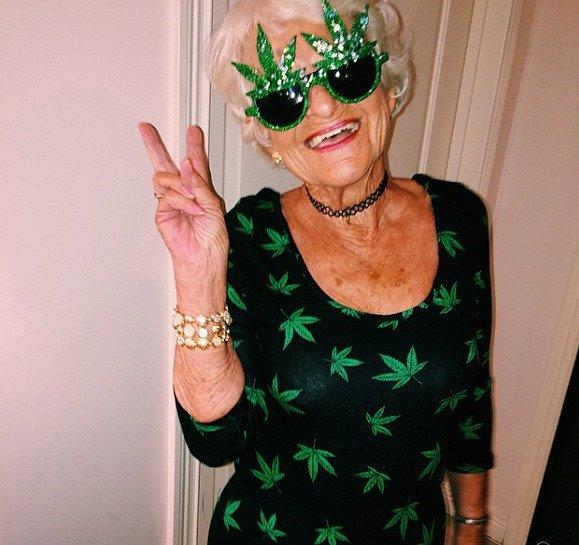 Občas si dá ráda joint a bojuje za to, aby marihuana byla legální klékařským účelům.
