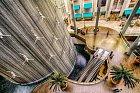 Potápěčská fontána v Dubaji.