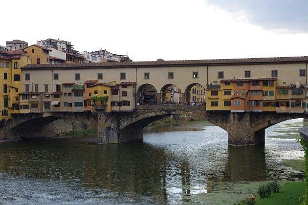 Město mostů.